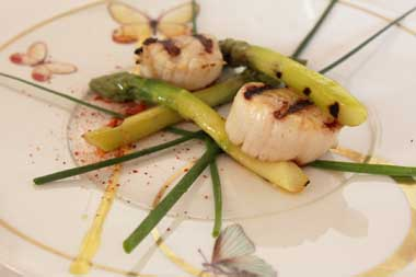 Sea Scallops with Fresh Asparagus