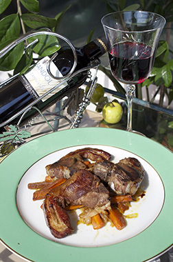 lamb-chops-with-vegetables-in-red-wine