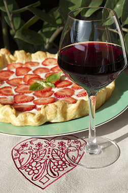 strawberry-tart-red-wine-aop-bandol